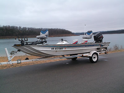 1996 Lowe 170 Fishing Boat With 70 HP Johnson and Trailer