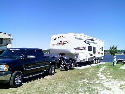 GREAT CONDITION 5th Wheel, Beauty and Brawn together for sale to a good home.