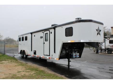 2015 Hoosier Horse Trailers Renegade 7310