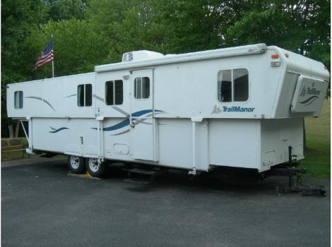 2005 Trailmanor 3326 King
