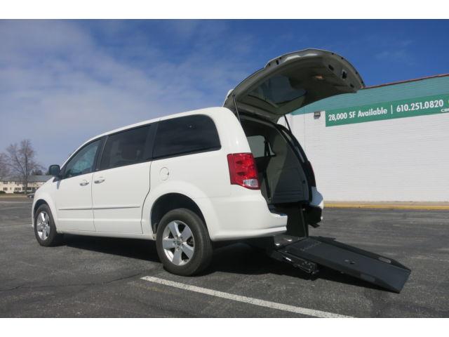 Dodge : Grand Caravan Wheelchair Accessible Vehicle Wheelchair Handicap Van