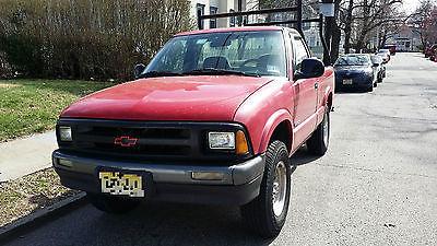 Chevrolet : S-10 2 Door standard cab 1994 red chevy s 10 pickup