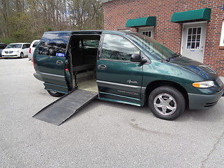 Plymouth : Grand Voyager handicap wheelchair accessible van 1998 green handicap wheelchair accessible van
