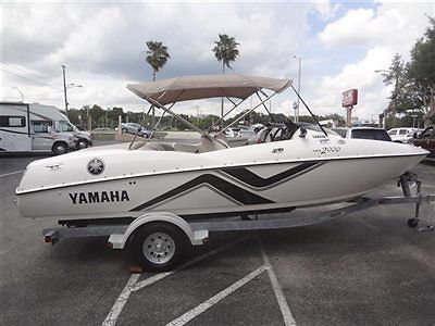 2000 YAMAHA LS 2000 DUAL JET POWERED 270 HP~SEATS 7~RUNS AND LOOKS AWESOME~WOW