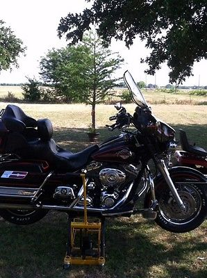 Harley-Davidson : Touring 2007 harley davidson ultra classic black with red pinstripes 96 c i