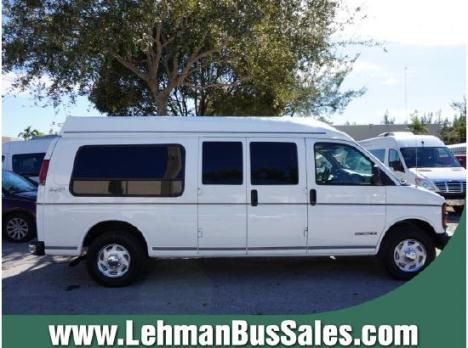 2000 GMC Savana 3500 Passenger Van
