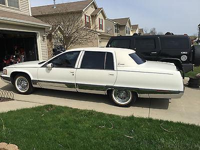 Cadillac : Fleetwood Brougham 1993 cadillac fleetwood brougham sedan 4 door 5.7 l