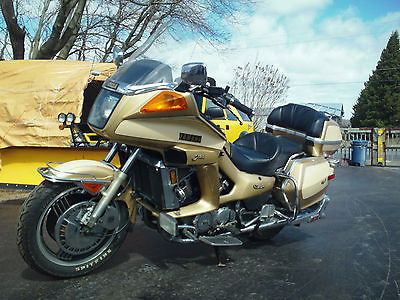 Yamaha : Other 1983 yamaha venture royale xvz 12 in very good shape rare gold color