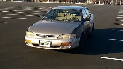 Toyota : Camry DX 1992 1993 1994 1995 1996 toyota camry dx 4 dr sedan