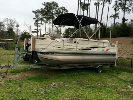 2009 Suntracker 21 Signature Fishing Barge