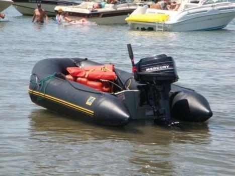 boat 8 feet ZODIAC quality,