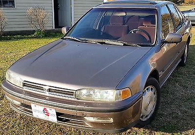 Honda : Accord EX Sedan 4-Door 1992 honda accord ex sedan 2.2 l 5 speed