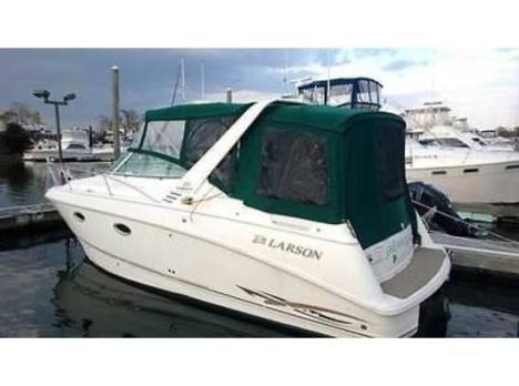 29' 1999 Larson 290