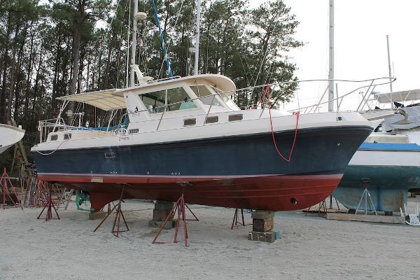 2004 Albin 30 Family Cruiser