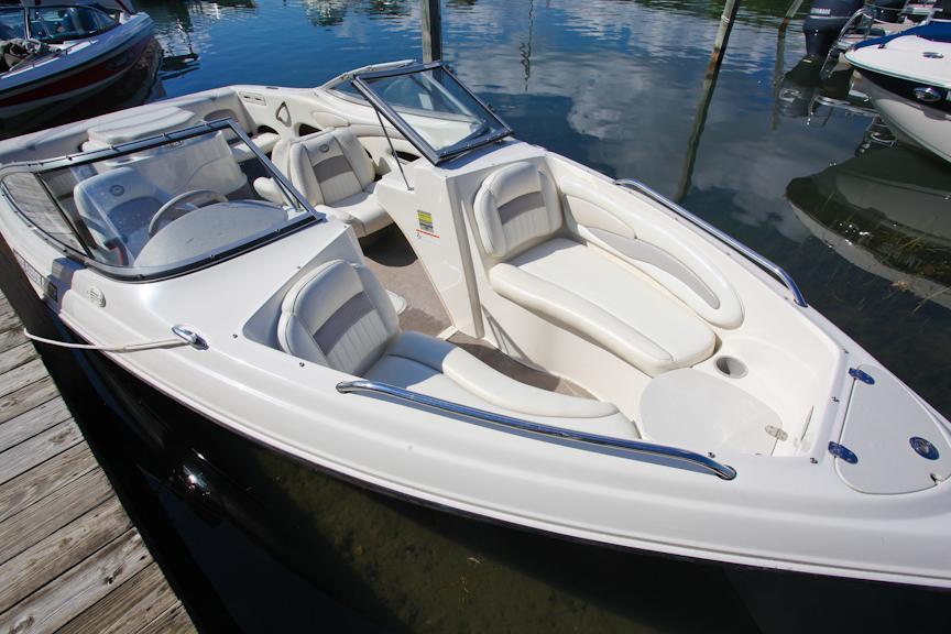 2009 Stingray Boats 205LS