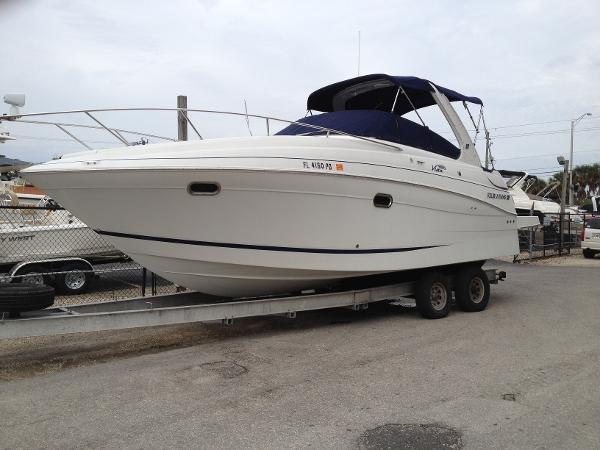 2005 Four Winns Vista 288