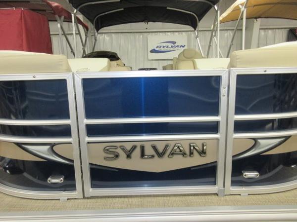 2016 Sylvan 8520 Mirage Cruise RE