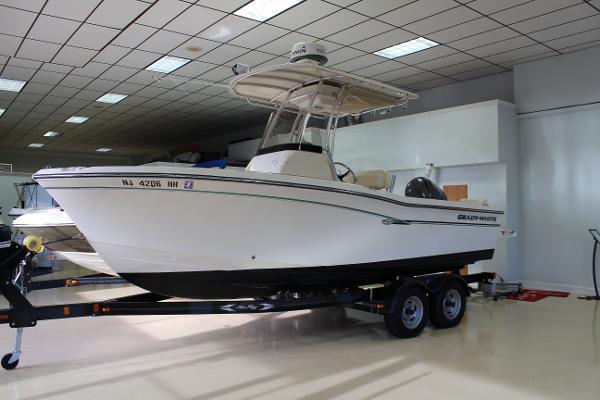 2016 Grady-White 209 Fisherman