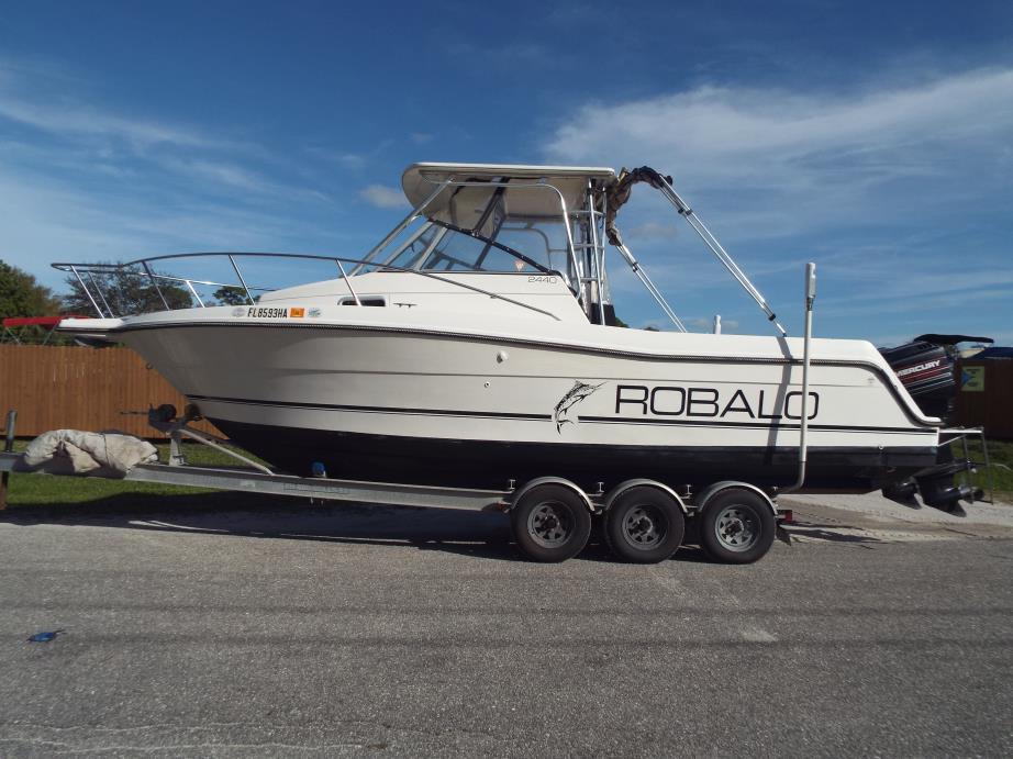 1994 Robalo 2440