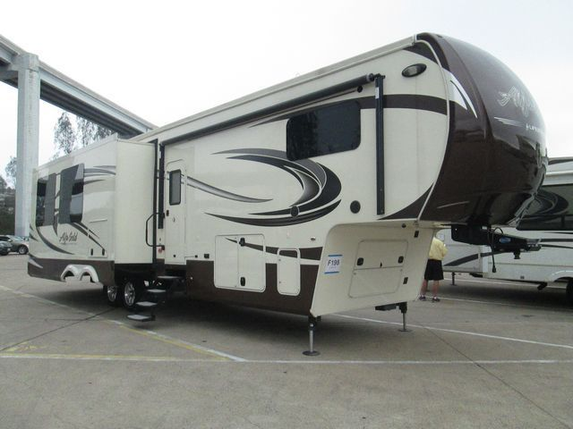 2015 Evergreen Rv Alfa Gold (Side Hauler) 3905SHMC
