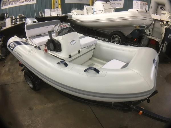 2017 Walker Bay Genesis G2 Console RIB 310DX