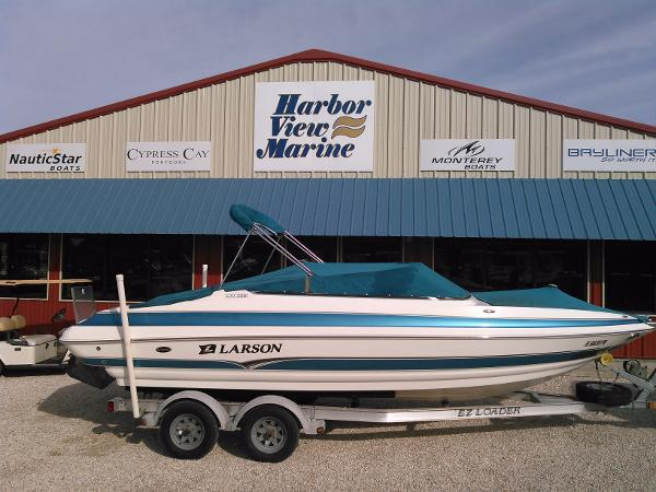 2006 Larson LXi 228
