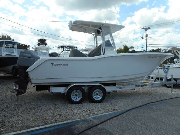 2013 TIDEWATER BOATS 230CC Adventure