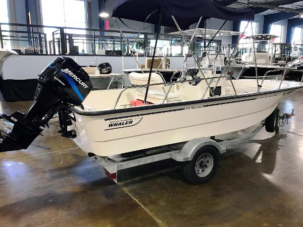 2004 Boston Whaler 17 Montauk