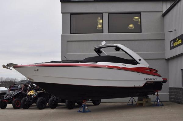 2017 Monterey 328SS