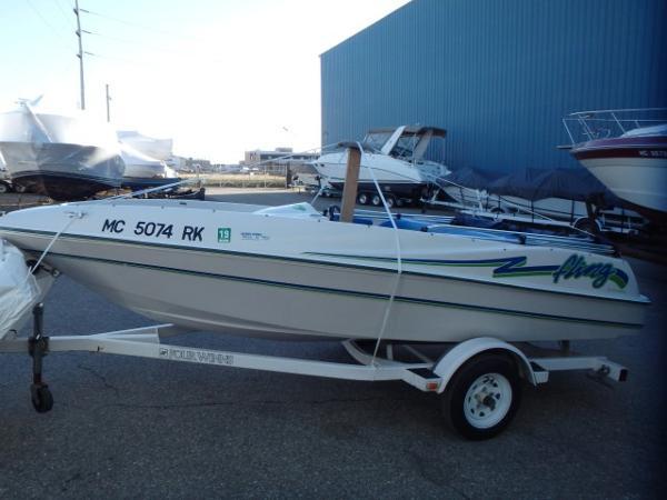 1996 Four Winns Fling Jet Boat
