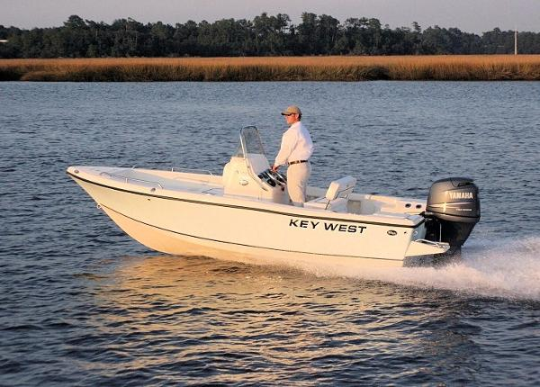 2017 Key West 176 Center Console