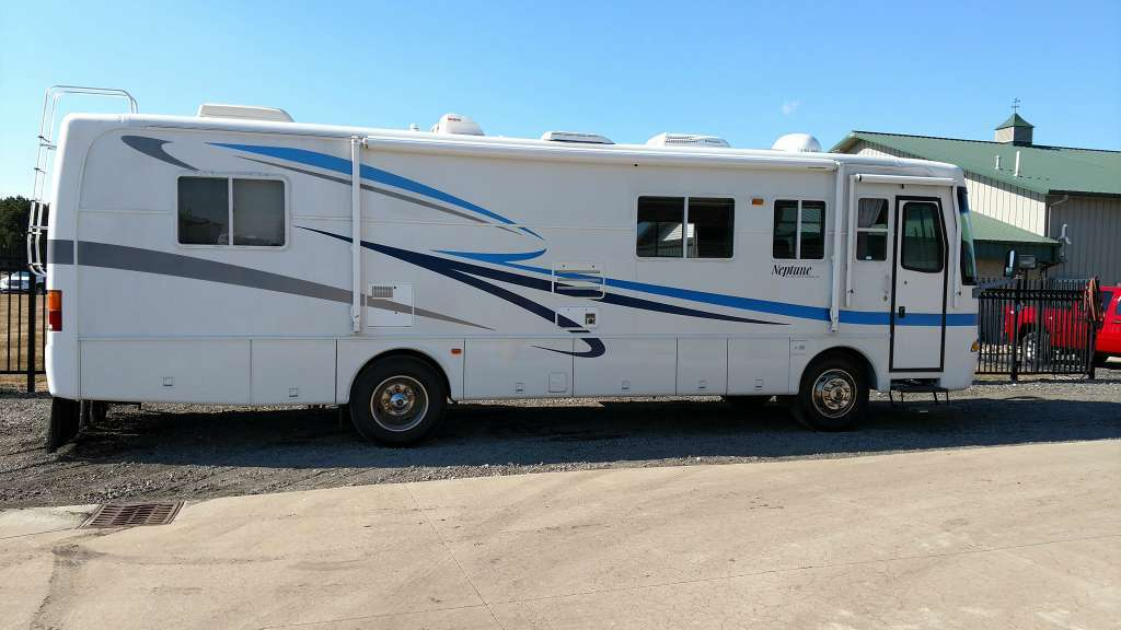 2002 Holiday Rambler 34PBD