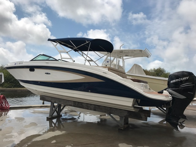 2016 Sea Ray 270 Sundeck