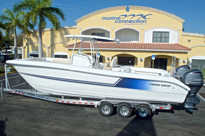 2017 Twin Vee 310SE OceanCat Sports Edition