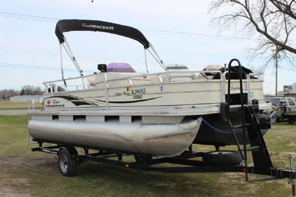 2007 Sun Tracker Fishin? Barge 21 Signature Series
