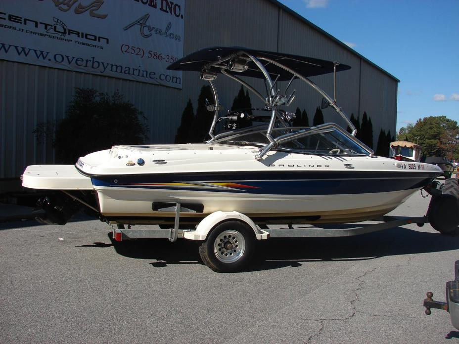 2005 Bayliner International 205