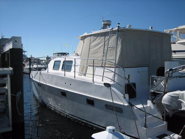 2002 Endeavour Catamaran 44 Trawler Cat
