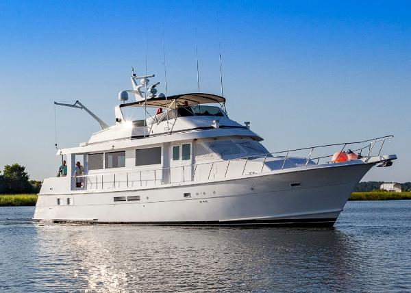 Hatteras flush deck motor yacht boats for sale in florida for Motor yachts for sale in florida