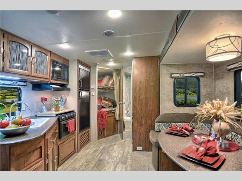 2017 Coachmen Rv Freedom Express 257BHS