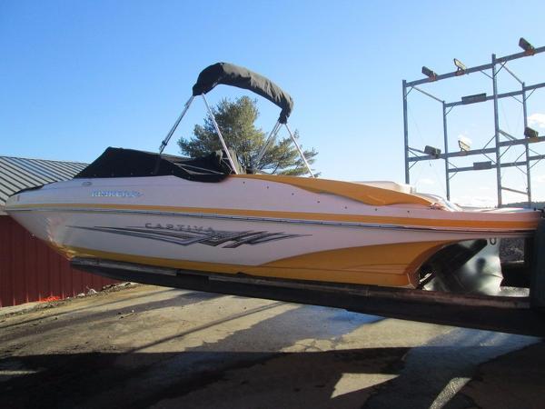 2009 Rinker 226 Captiva XL