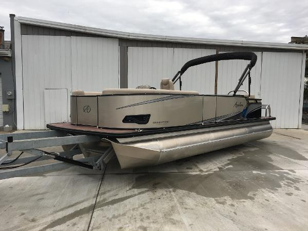 Avalon Entertainer Boats For Sale