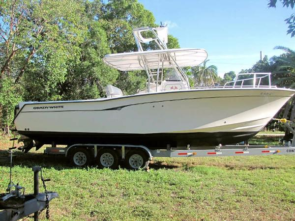 2000 Grady White 306 Bimini Center Console