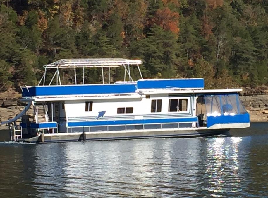 1985 Cloud Nine Houseboat
