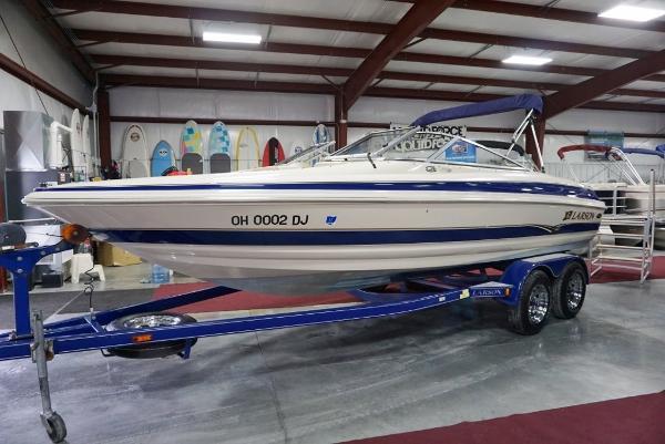 2002 Larson 210