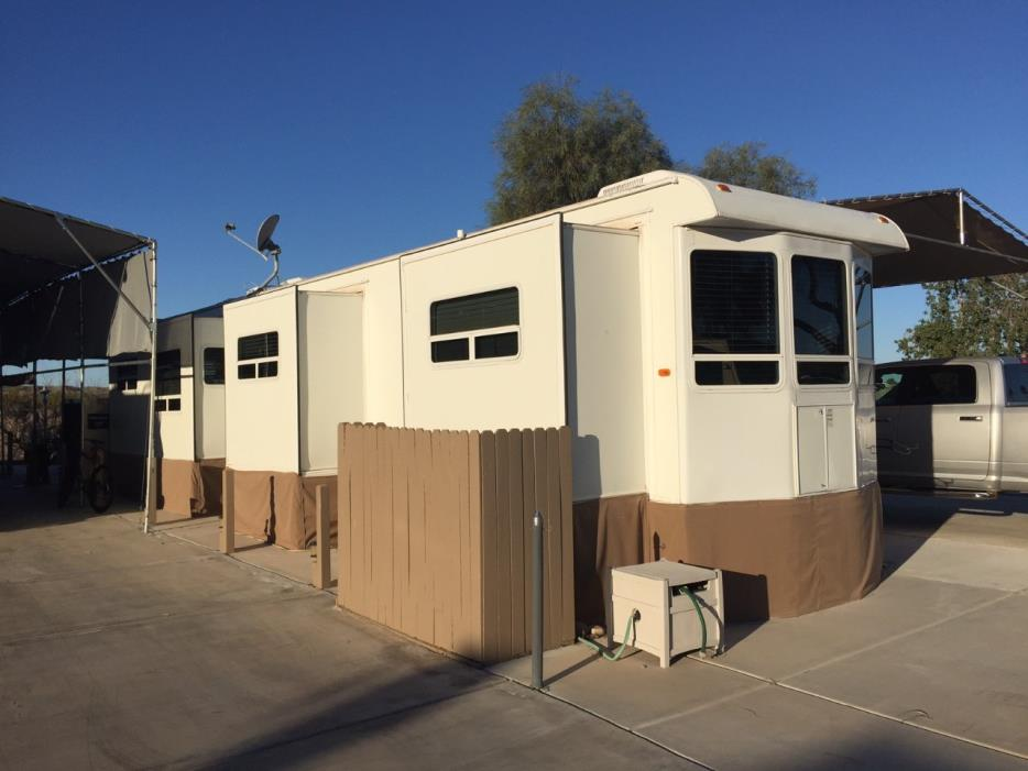 2005 Hy-Line H L PARK TRAILERS - TWO BR