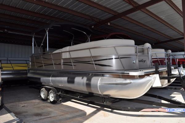2016 Encore Boat Builders 240 Cruise SE