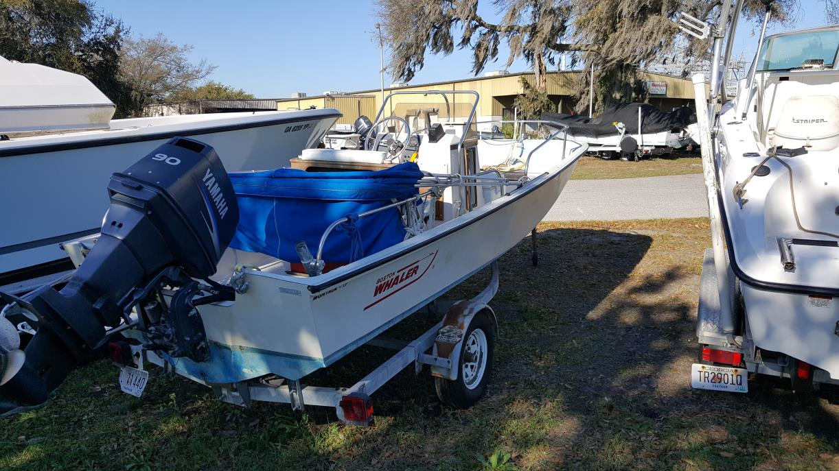 1989 Boston Whaler 17 Montauk