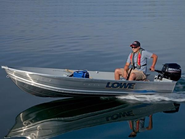 2015 LOWE BOATS Utility 1257
