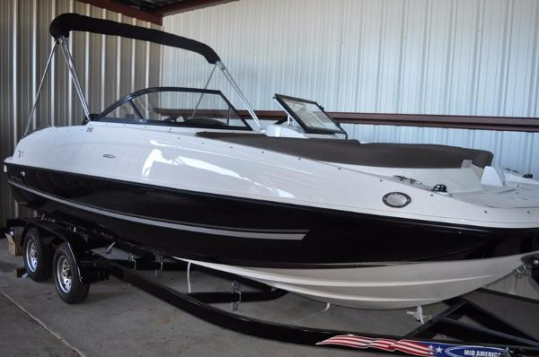 2017 Bayliner 210 Deck Boat