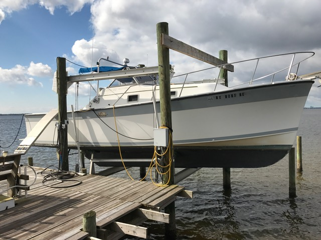 1987 Luhrs 30 Alura Classic